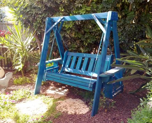 נדנדה דגם נווה בצבע כחול