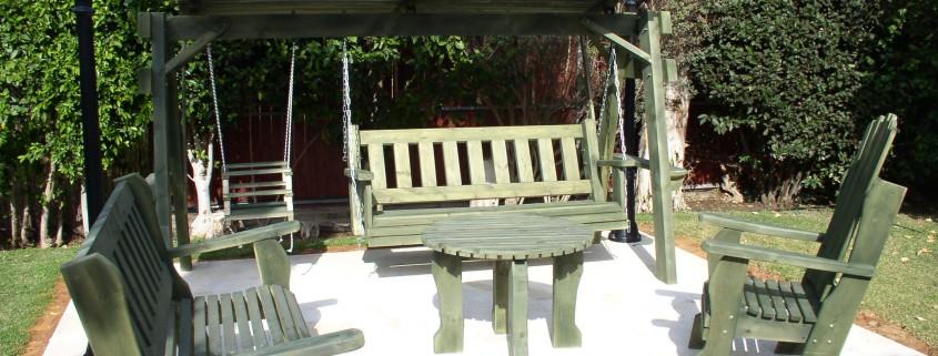 סט נדנדה שולחן כסאות וספסל
