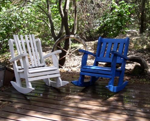 כסאות נדנדה כחול לבן